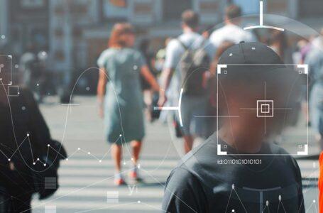 Uso de reconhecimento facial pela polícia viola direitos humanos