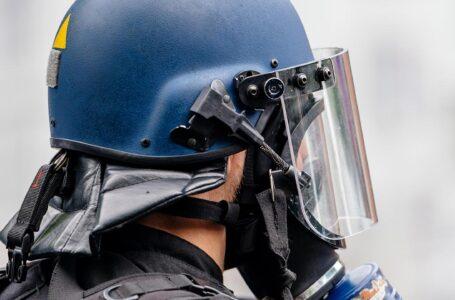 Ativistas desenvolvem tecnologias para reconhecer policiais que escondem suas identidades