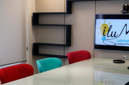 Conheça IluMinas, o laboratório de inovação da JFMG